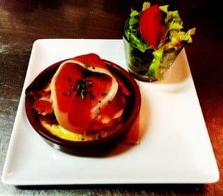 Entrée : Au peilharote  - Gratin de tomates et serrano -