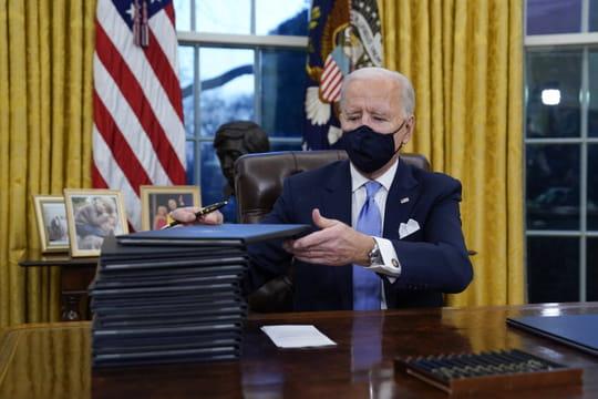 Joe Biden: les images de l'investiture, les premières décisions du président américain