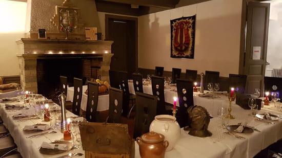 Restaurant : Le Peyrolade  - Salle à la grande cheminée -   © peyrolade