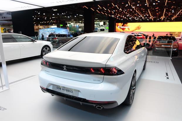 La 508hybride rechargeable se montre