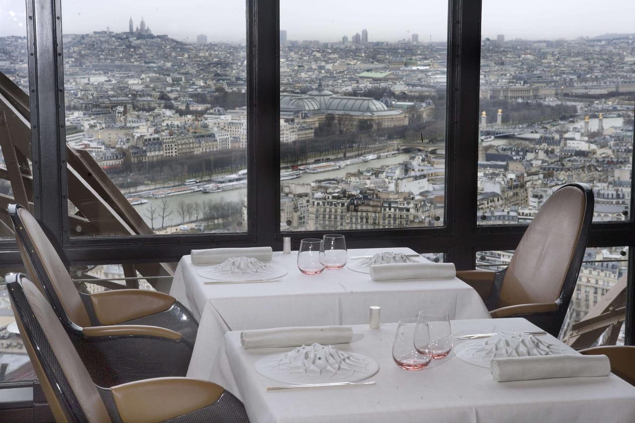 Restaurant de la Tour Eiffel: ouverture du Jules Verne en juillet 2019