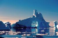 la proximité de l'océan glacial antarctique est à l'origine de tempêtes