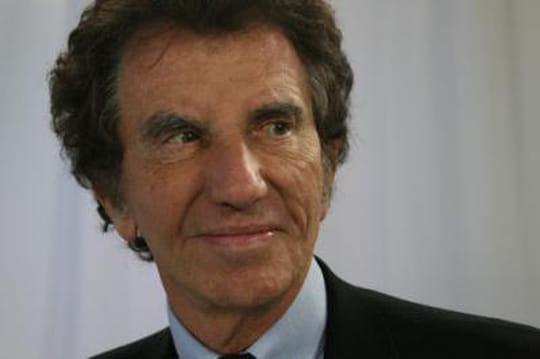 Jack Lang: sonsalaire à l'Institut dumonde arabe fait débat