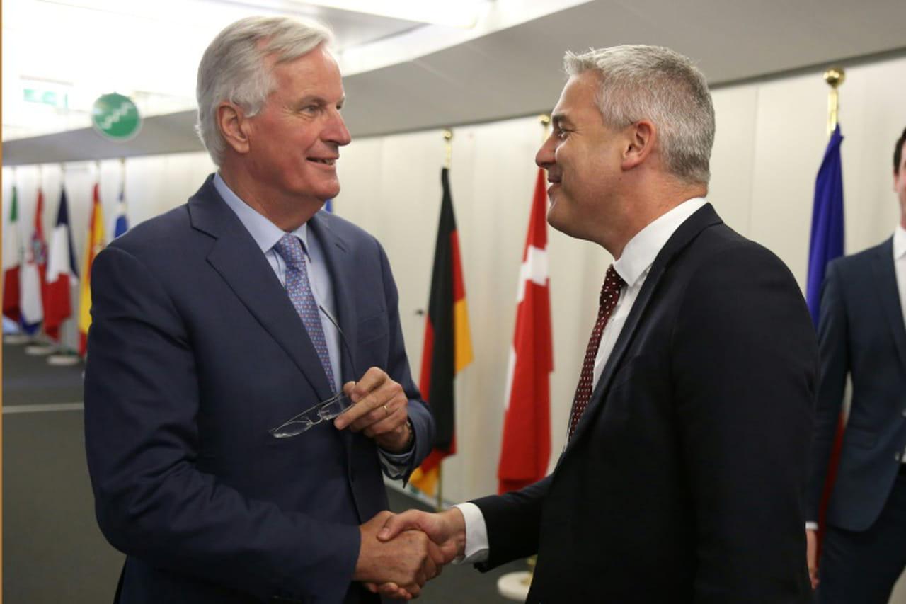 Brexit: Londres et Bruxelles intensifient les négociations pour sortir de l'impasse