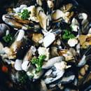 Plat : Crêperie L'Épi de Blé - Cap Malo  - Moules à la crème - frites -   © -