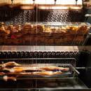 Plat : Le Tir Bouchon Montorgueil  - poulet à la portugaise et cochon de lait rôtis -   © Copyright*