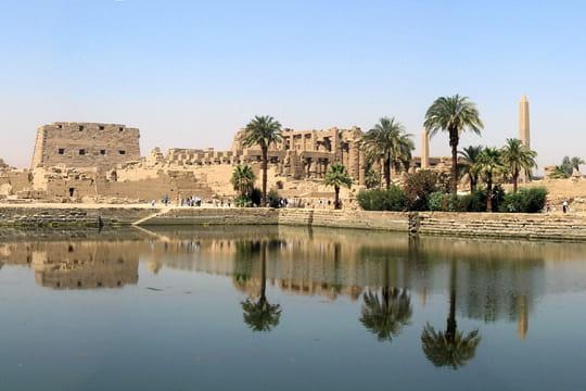 Dans le lac sacré du temple de Karnak