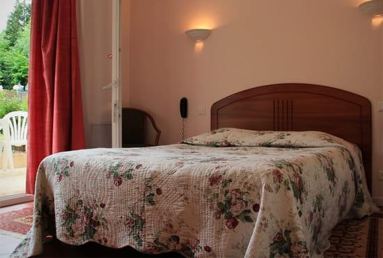 L'Auberge du Gros Tilleul  - chambre -   © Nathalie Beugé