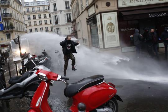 Manifestation du 22mars: des incidents à Paris, combien de personnes dans la rue?