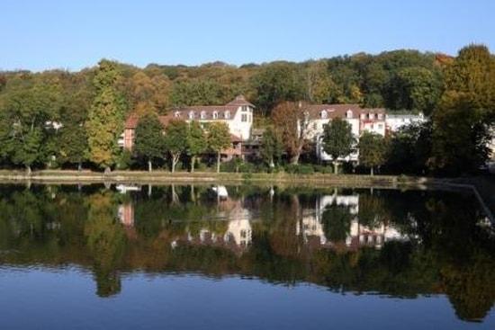 Les Paillotes - Les Etangs de Corot  - Les Etangs  de Corot, hôtel 4* de charme situé aux bords des étangs -   © Les Etangs de Corot