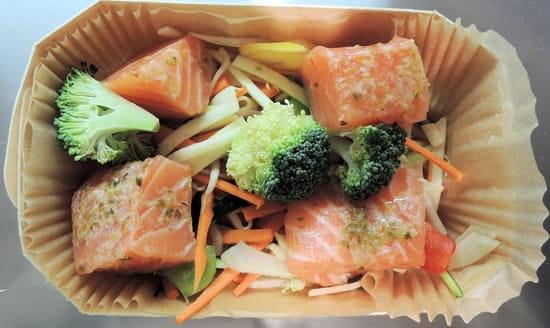 Vapeurs et Gourmandises  - saumon, basilic, petits légumes -