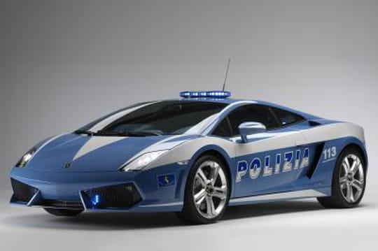 Les voitures de police dans le monde