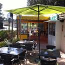 Restaurant : La Crêperie Bretonne  - Une partie de la terrasse -