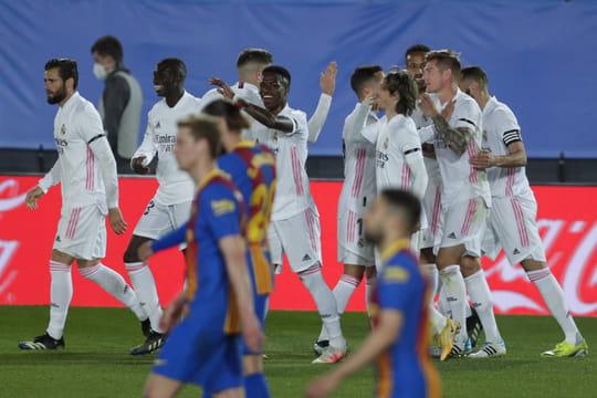 Real - Barça: Madrid s'impose grâce à Benzema, le résumé du match