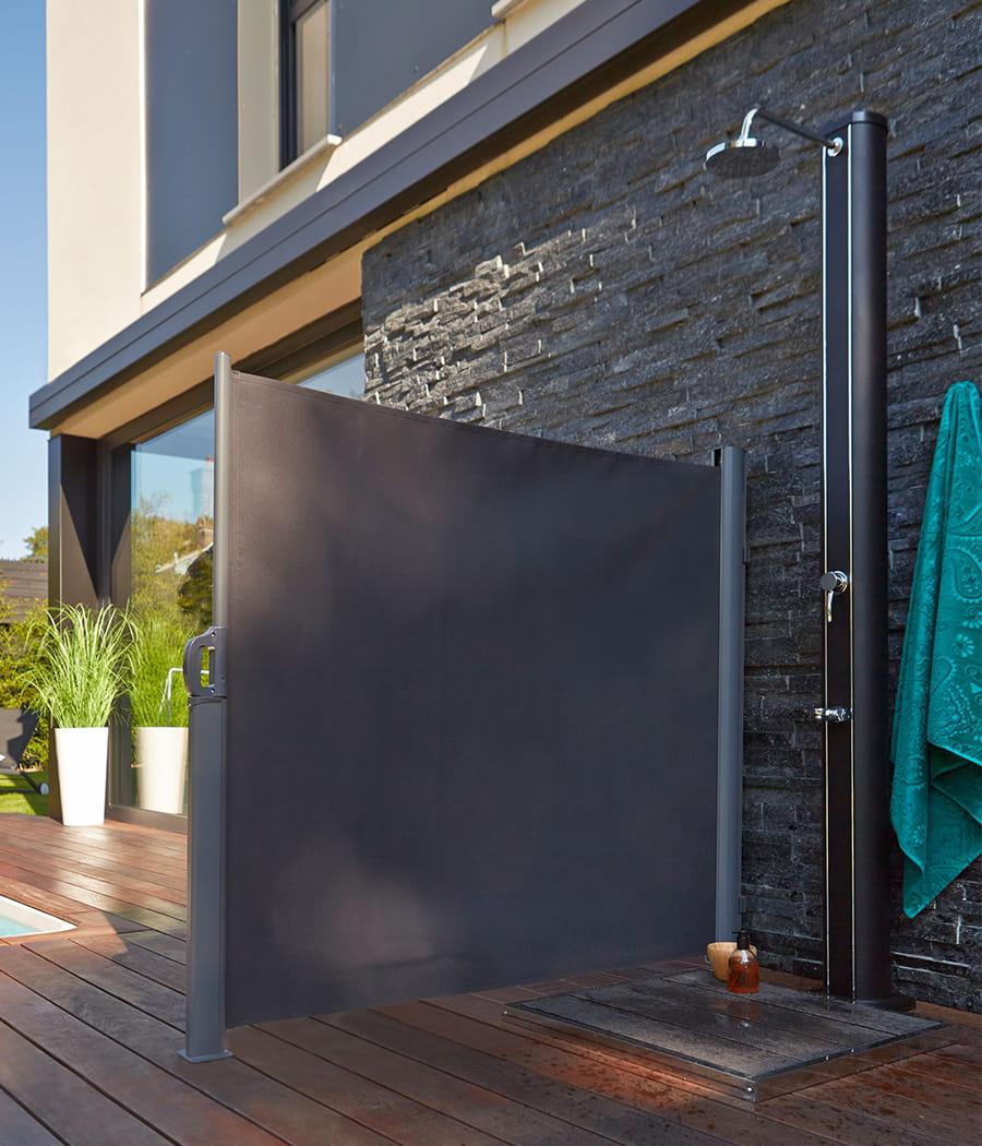 Installer Un Brise Vue Dans Une Douche D Exterieur
