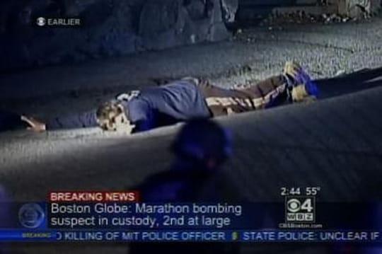 Boston: les images d'un suspect à terre