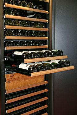 comment se constituer une cave vins les conseils d 39 un expert. Black Bedroom Furniture Sets. Home Design Ideas