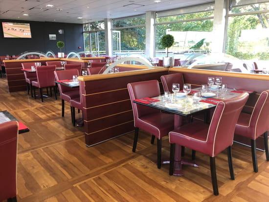 Restaurant : La Table de L'Hippodrome  - DIFFUSION TV -   © OUI