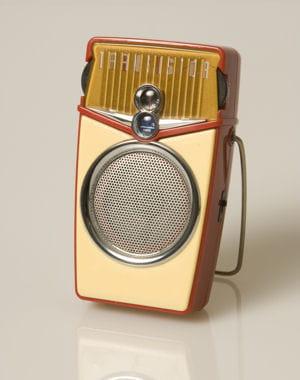 le transistor a permis de fabriquer des radios portables.