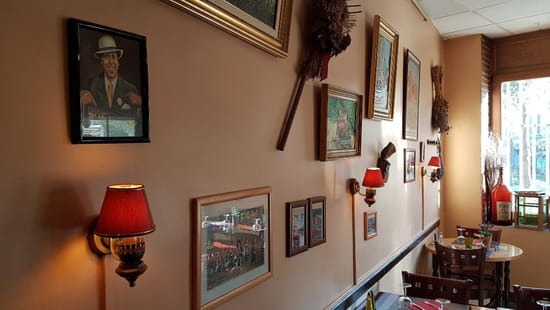 Restaurant : Le Resto Provencal  - salle -   © liotardo