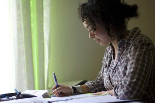 Bac de français: pas d'oral cette année, les derniers sujets et corrigés