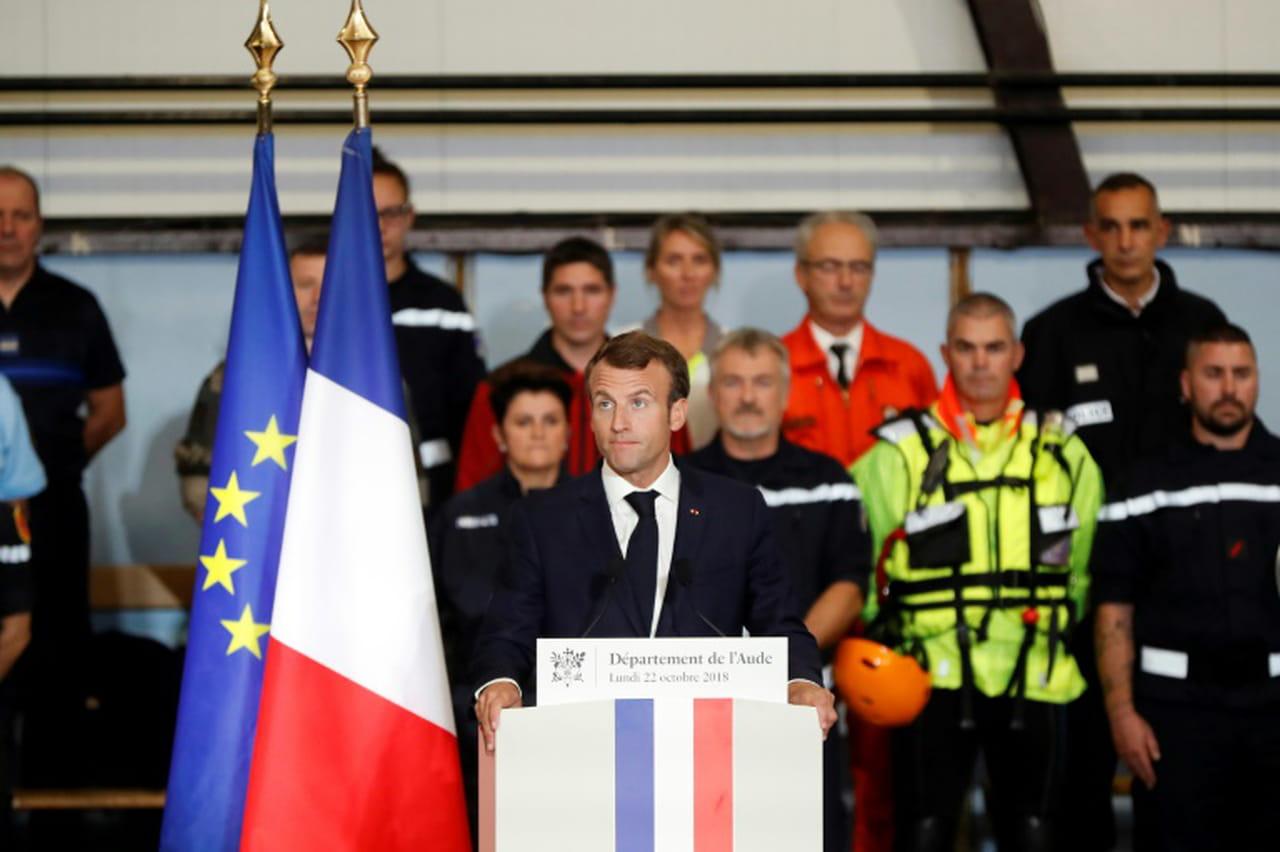 """Macron promet aux sinistrés de l'Aude d'aller """"vite"""" avec un fonds d'au moins 80millions d'euros"""