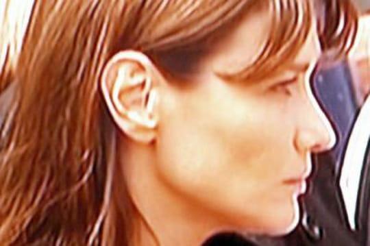 Carla Bruni: a-t-elle vraiment touché 410000euros d'argent public pour sonsiteInternet?