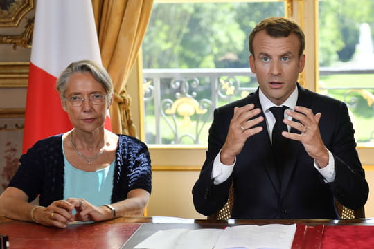 Remaniement ministériel: Macron préfère attendre malgré le départ de De Rugy