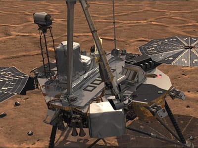 phoenix arpente le sol martien à la recherche d'une trace de vie.