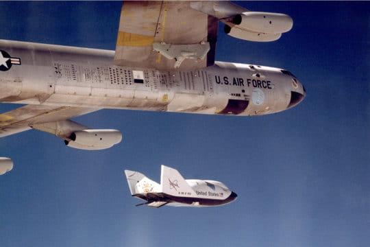 X-38 et B-52 en 1999