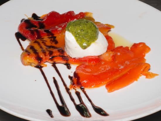 Entrée : Le Tir Bouchon Montorgueil  - antipasti de poivrons grillés à la mozzarella -   © Copyright*
