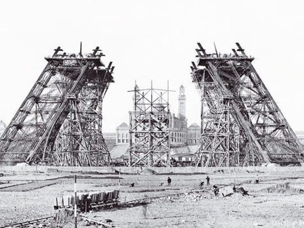 La construction de la Tour Eiffel en images