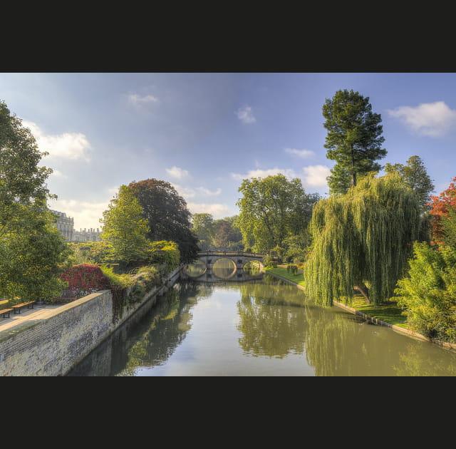 Une balade automnale au bord de l'eau à Cambridge