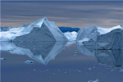la fonte des glaces est le premier effet observable du réchauffement climatique.
