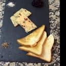 Restaurant : Le Quai 76  - Le foie gras maison avec sa confiture d'oignon et ses toasts signé le quai 76!!! Miamm -