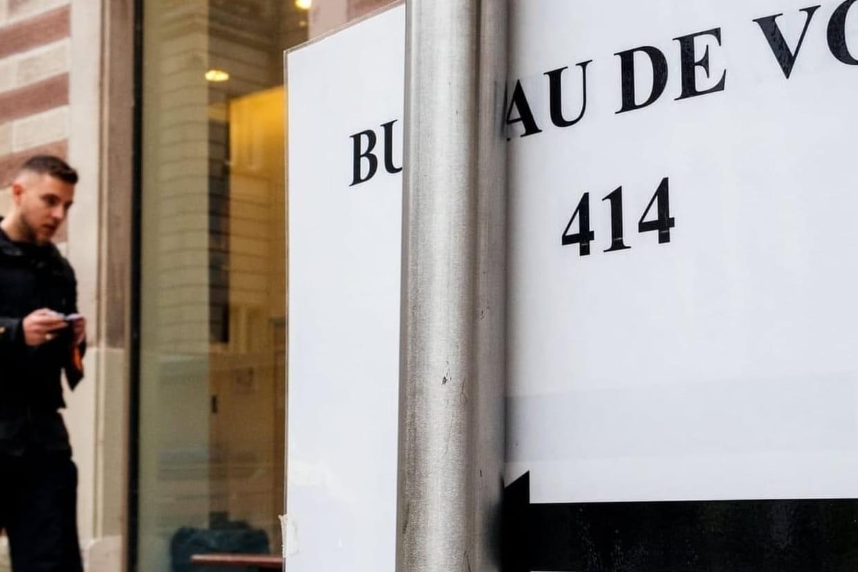 Bureau fermé pour ordinateur nouveau stock de bureau blanc