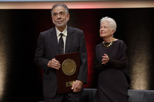 Francis Ford Coppola reçoit le prix Lumière en 2019 aux côtés de sa femme, Eleanor Coppola
