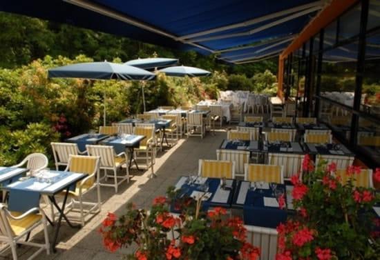 Le Clos Saint Georges  - la terrasse -   © Golf Hôtel
