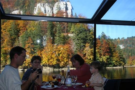 Bateaux du Saut du Doubs  - Croisière déjeuner ou croisière dîner en famille, entre amis -   © Bateaux du Saut du Doubs - Cie DROZ-BARTHOLET