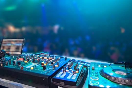 Les meilleures chansons électro: la playlist des musiques cultes