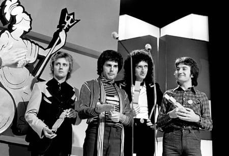 Le groupe Queen aux Brit Award en 1977