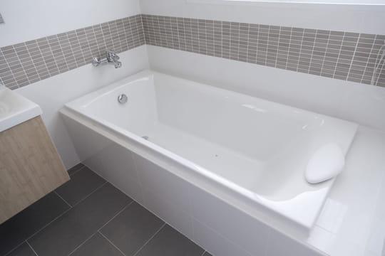 Comment choisir une baignoire: les conseils à suivre