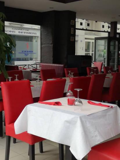 Restaurant : Le Cèdre Oriental  - salle -   © le cèdre