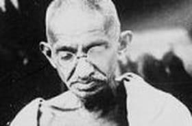 """Gandhi, la """"grande âme"""" indienne"""