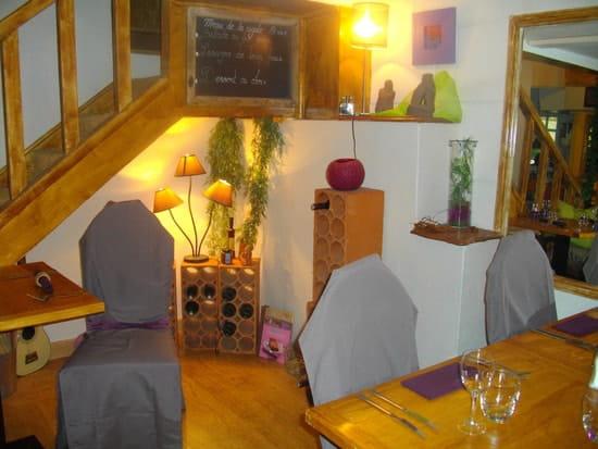 Restaurant la Cigale  - la salle petite et cosie -   © jolivet