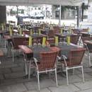 Les Arcades  - le nouveau dressage des tables -   © alain scher
