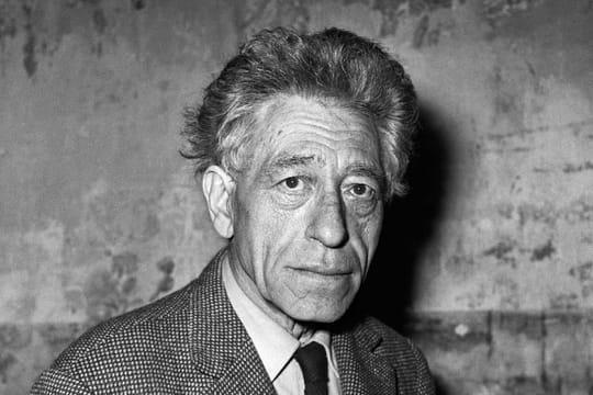 """Alberto Giacometti: biographie du sculpteur de """"L'Homme qui marche"""""""