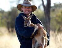 Kangourou Dundee : L'attaque des chiens sauvages
