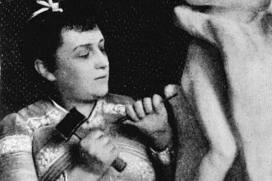 Camille Claudel: la sculpture, son lien toxique avec Rodin, la folie... Biographie courte