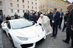 La Lamborghini du pape François adjugée 715.000euros à Monaco